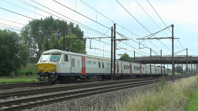Photo of NMBS MS75 833 Electrisch treinstel by RailNationYT
